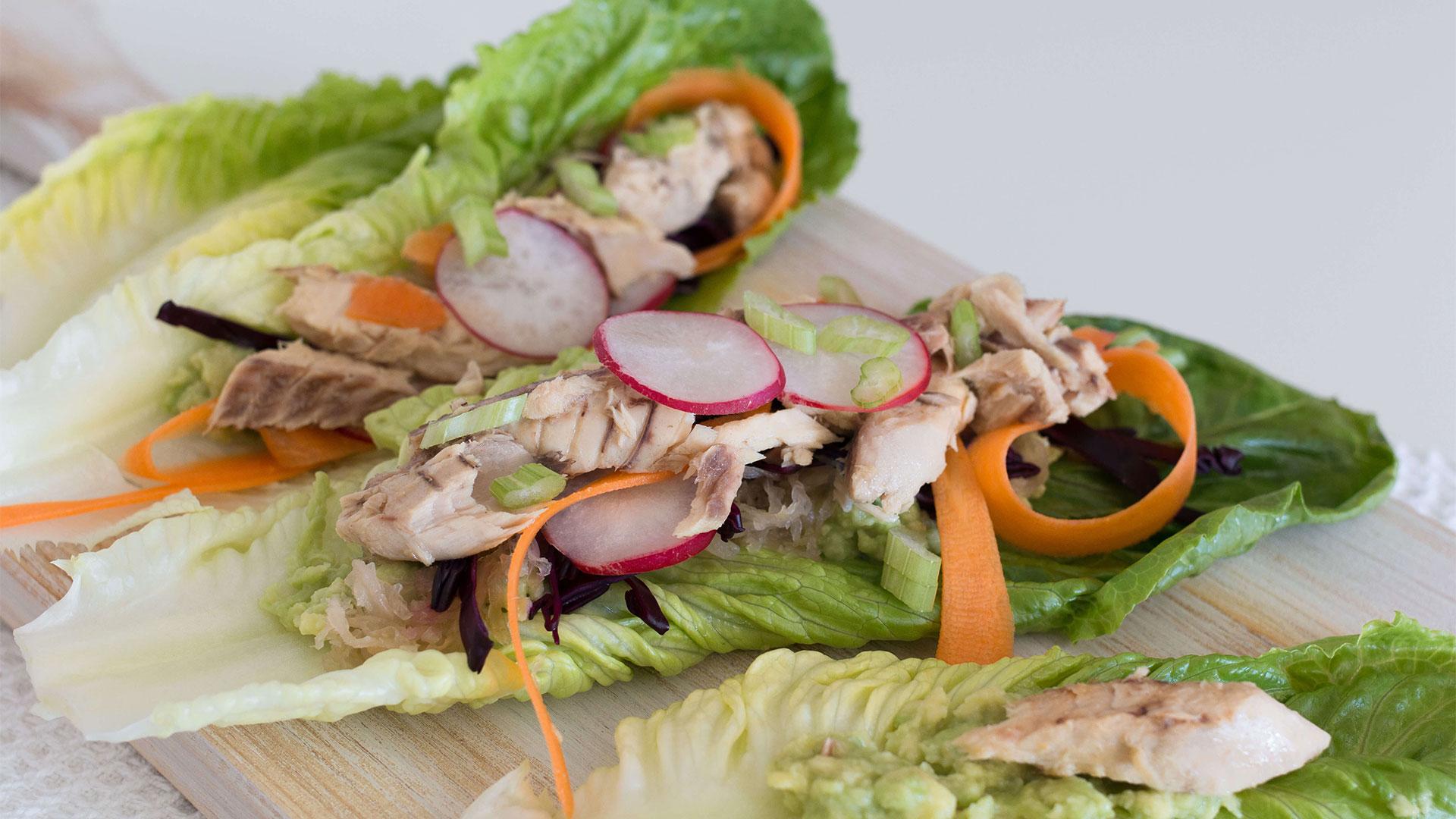 Almoço Ómega 3: Wraps de Cavala com Abacate e Vegetais