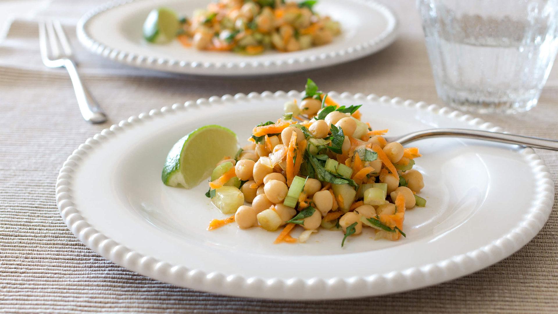 Salada de Grão com Cenoura e Ervas