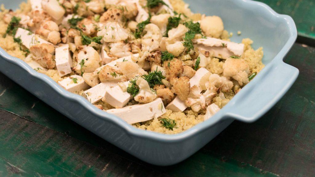 Tofu com Couve-flor e Quinoa de Curcuma e Limão