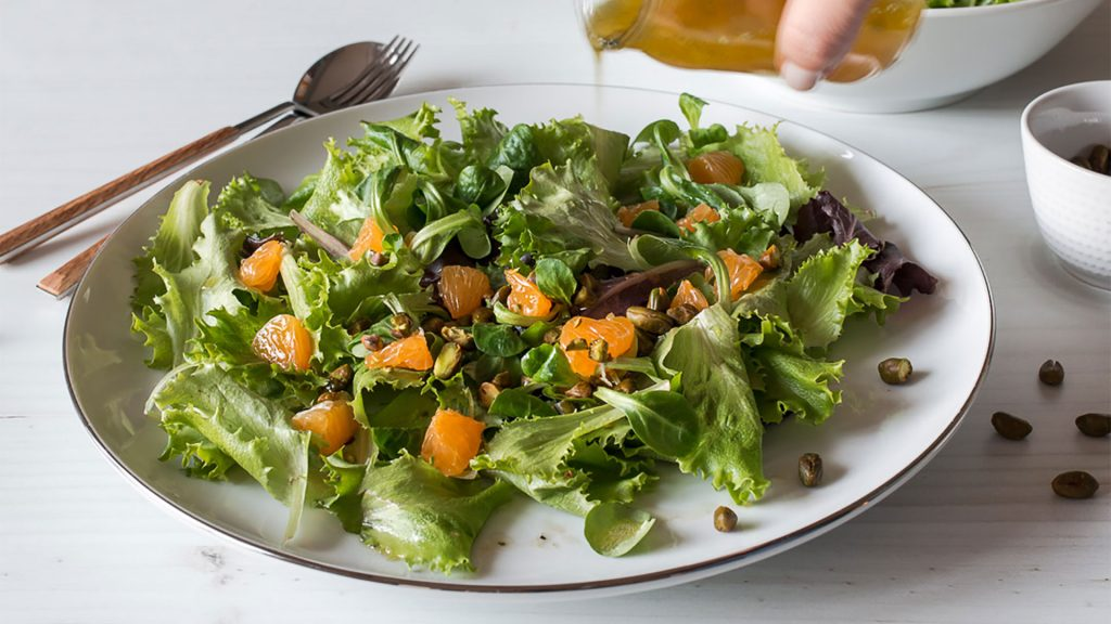 Green Salad with Pistachio and Clementines