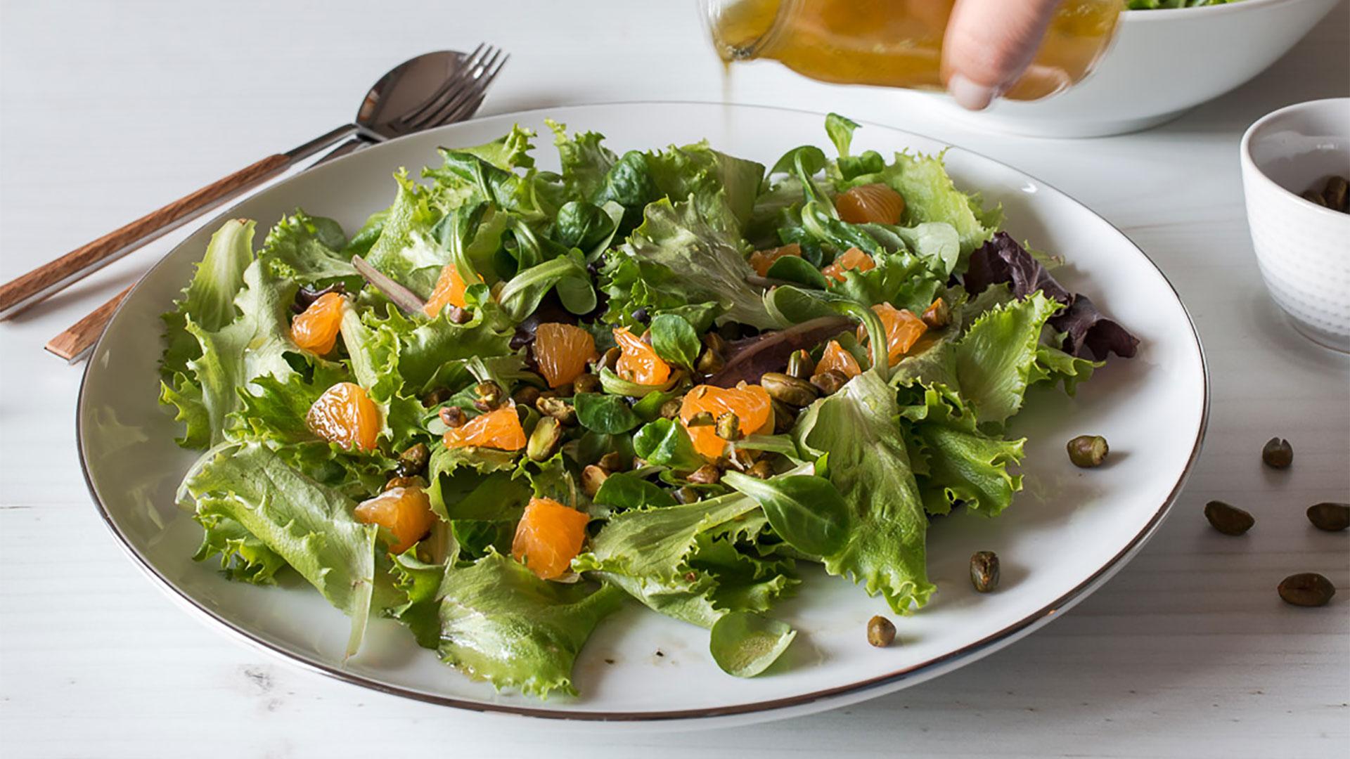 Salada Verde com Pistáchios e Clementinas