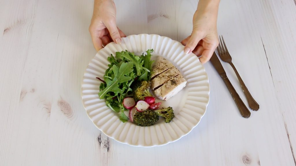 Peito de Frango com Brócolos e Rabanetes